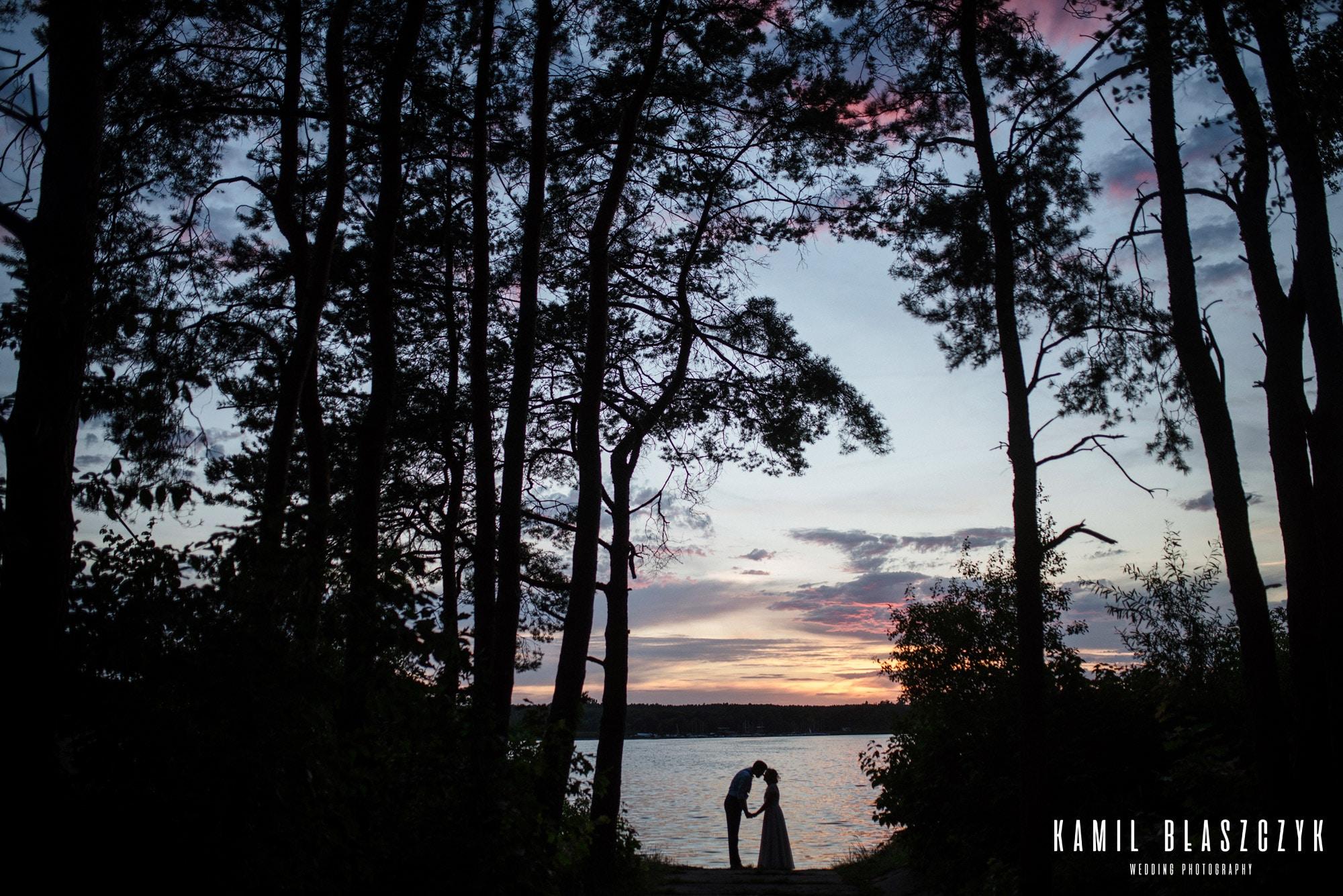 Poradnik sesja ślubna przy zachodzie słońca