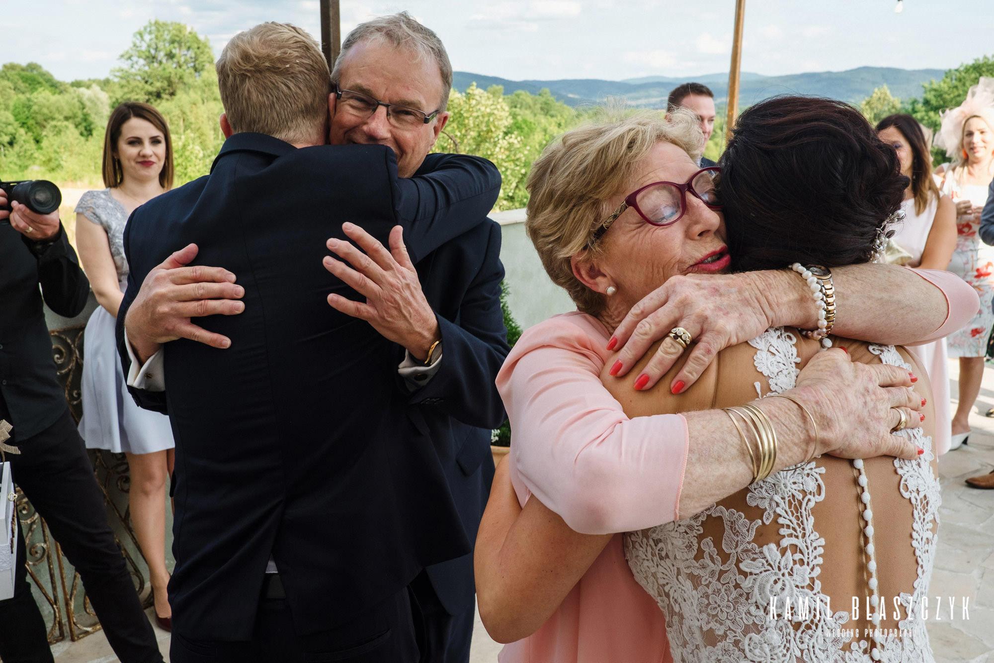 Życzenia po ceremonii ślubu składane przez rodziców