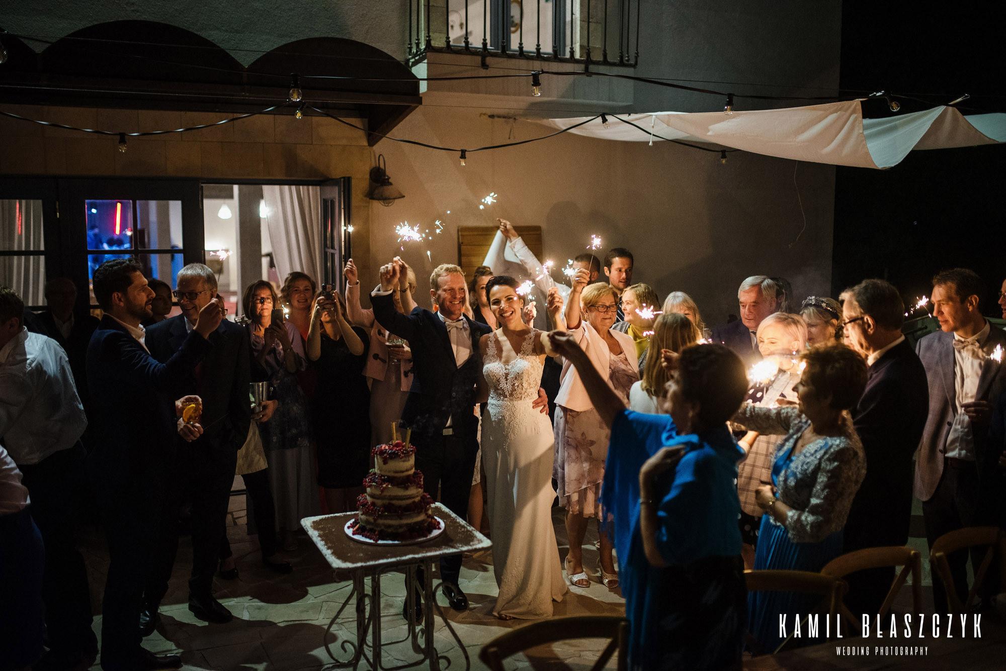 Zimne ognie podczas tortu na weselu Agi i Graema